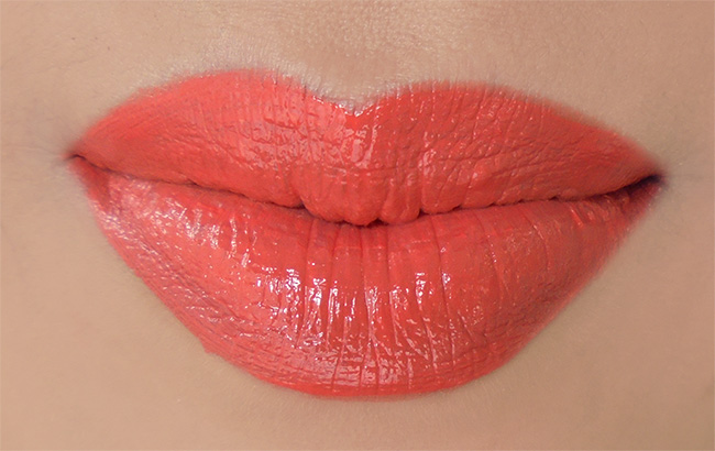 Swatches of Sigma Beauty Lip Eclipse Pigmented Lip Gloss in she knows the ropes